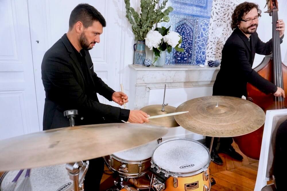 batteur de jazz et contrebassiste