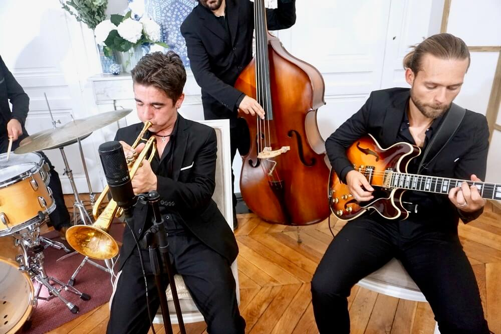 trompettiste jazz et guitariste en quartet